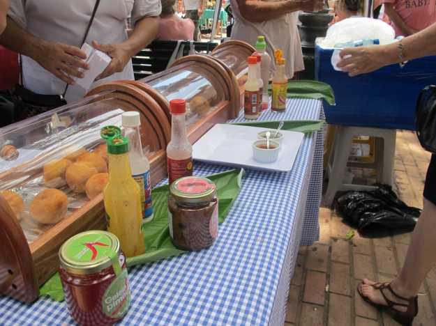 Também por lá você encontra belos bolinhos de aipim com recheios variados... Foca no de escarola com gorgonzola.. Delícia..