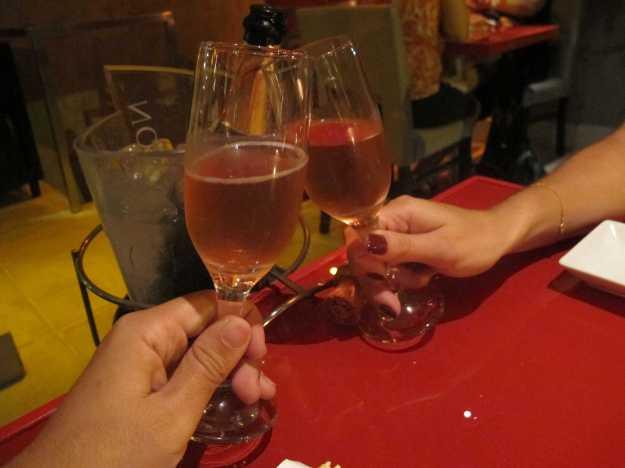Borbulhas geladas de um chandon rosé... Caiu bem para acompanhar o japa..