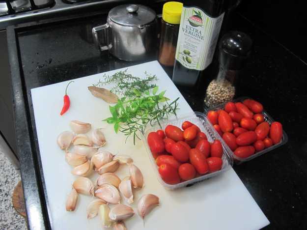 Bancada com os ingredientes.. Tudo separado e limpo para você começar a sua receita...