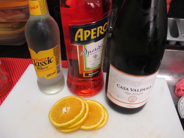 Tudo que você precisa para esse drink simples, refrescante e delicioso..