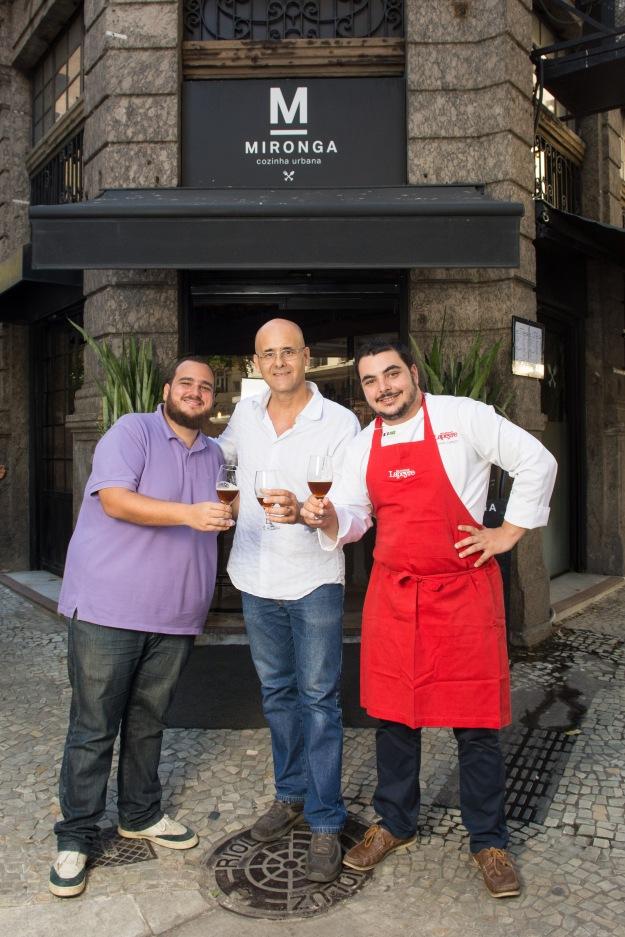 Rafael Cavalieri,  Luiz Varejão e Ricardo Lapeyre_ frente Mironga_LipeBorges